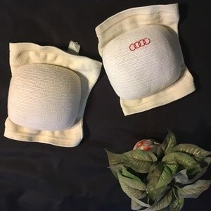 Knee Pads (used) one size fits most
